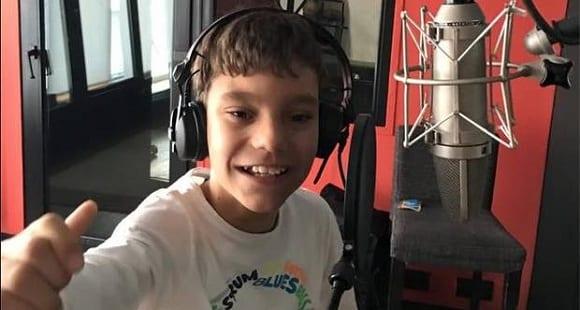Video Saludo + Entrevista de Adrían Martín en este Día del Niño