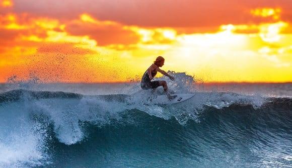 deportes de agua surf