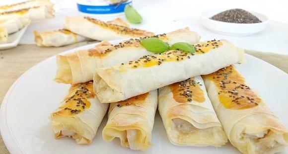 Boreks de Mantequilla de Anacardos y Mozzarella