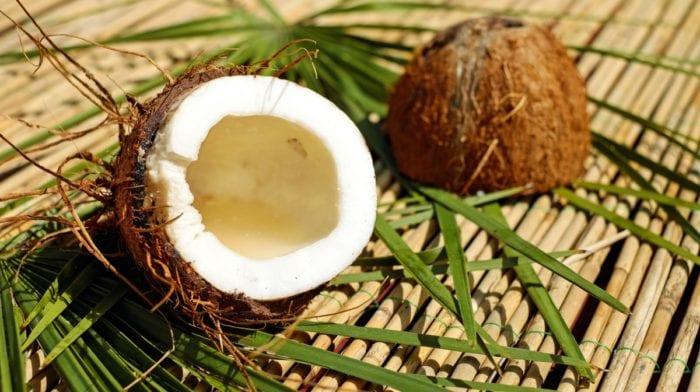 Cocinar con Aceite de Coco |Tipos, beneficios y recetas