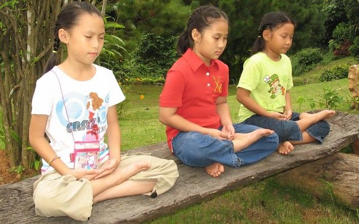 top mejores ejercicios de yoga para niños