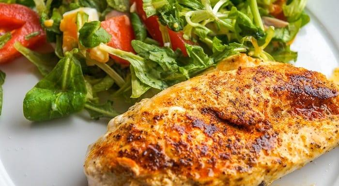 sabes cuánta proteína tiene el pollo