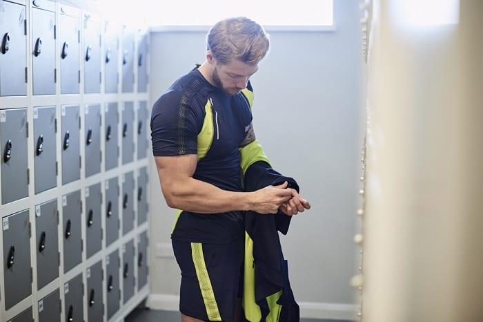 cómo entrenar bíceps en casa
