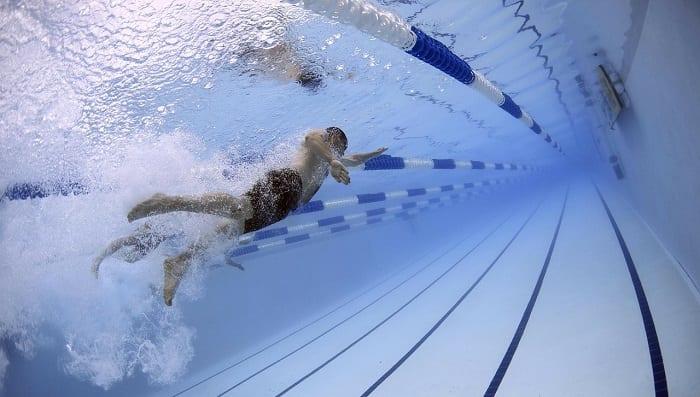 beneficios de la natación para adelgazar