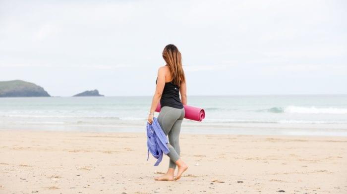 5 riesgos de correr por la playa