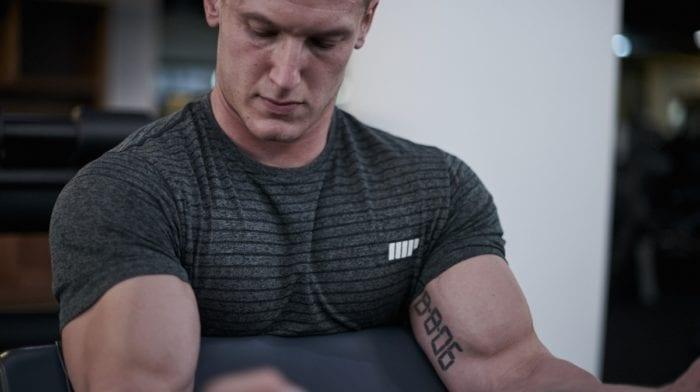 Rutina de entrenamiento para brazos (nivel intermedio)