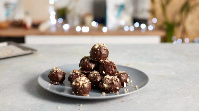 Bombones de chocolate proteicos de Navidad
