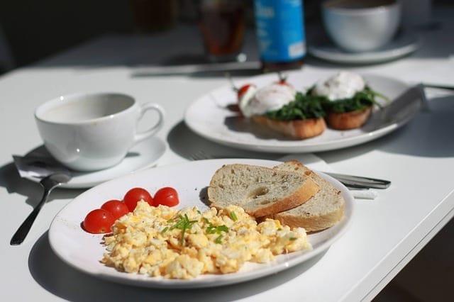Uova a Colazione | Fanno Bene? Quello che Devi Sapere
