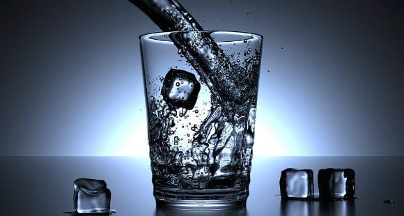 bere durante i pasti
