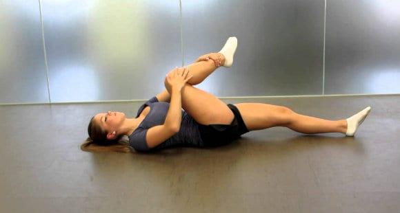 stretching glutei