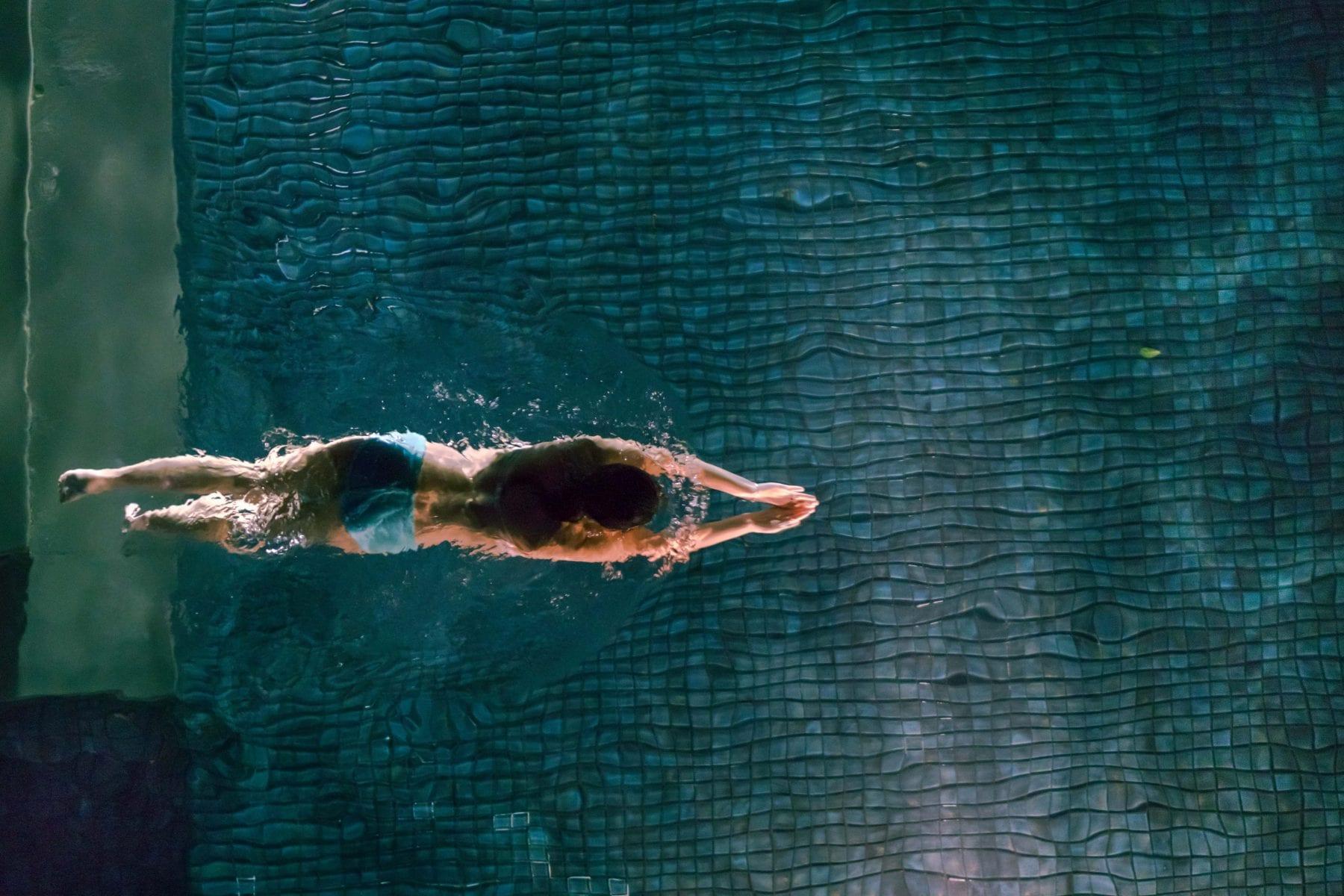 lallenamento di nuoto perde pesona