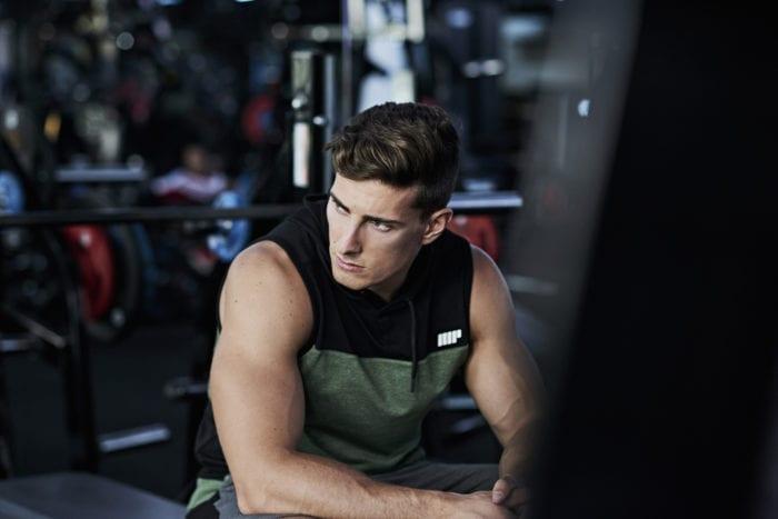 Full squat | Come si esegue? Muscoli coinvolti, errori comuni
