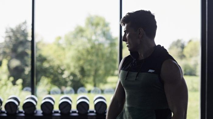 Toe taps | Come si eseguono? Muscoli coinvolti ed errori comuni