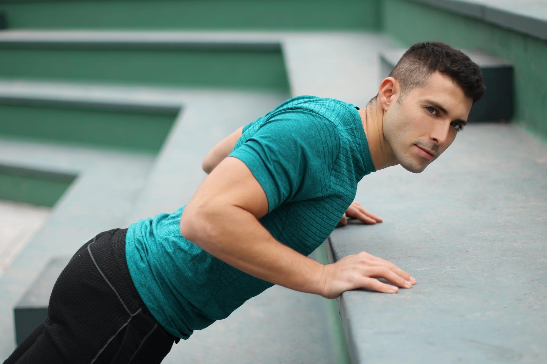 Pike push up | Come si esegue? Muscoli coinvolti ed errori comuni
