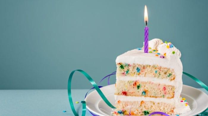Torta di Compleanno Proteica | Deliziosa e Piena di Proteine