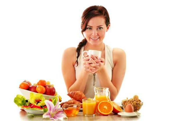 5-woman-breakfast