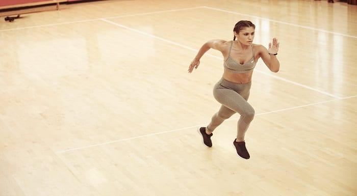 atleta_ginasio_correr