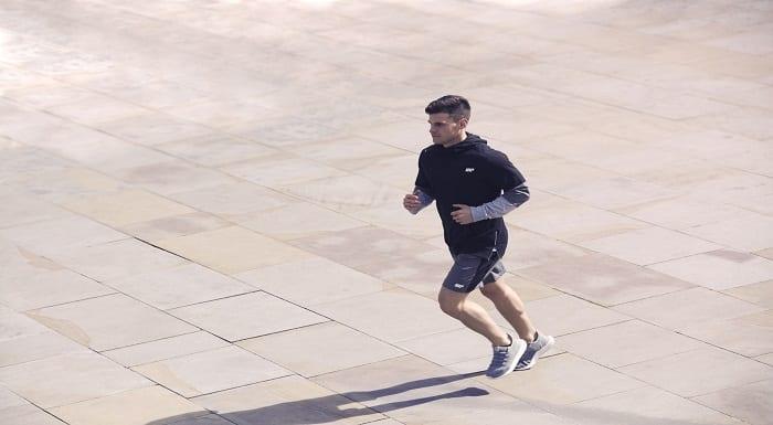 atleta_correr_rua