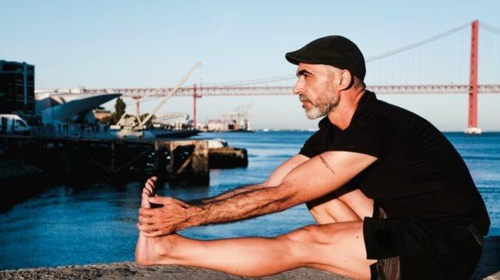 Jean-Pierre de Oliveira: do mundo empresarial a guru do yoga