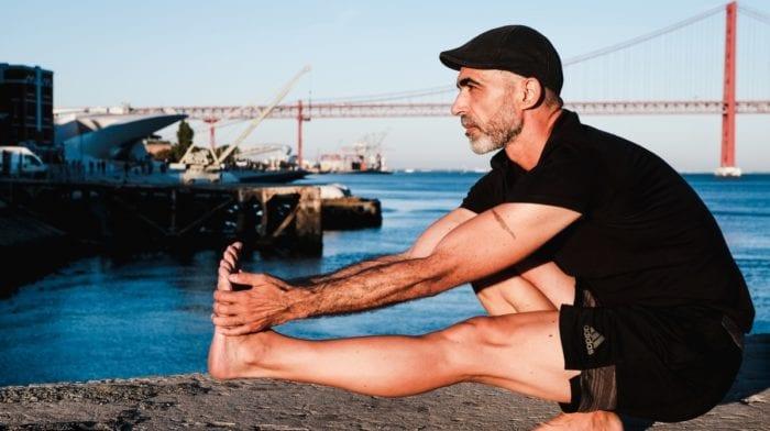 Yoga para recuperação de treino intenso: top 5 posições