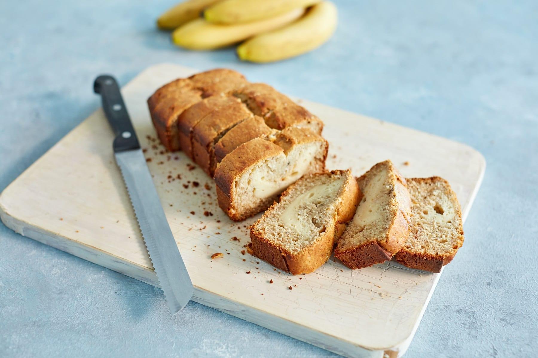 Pão de banana recheado com cheesecake