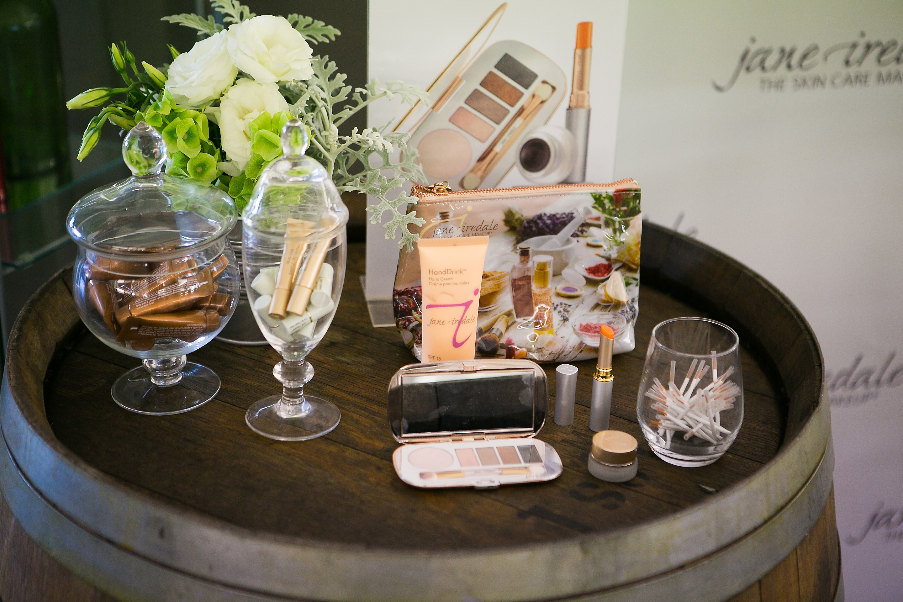 Jane Iredale Country Weekend Collection - Share to win!