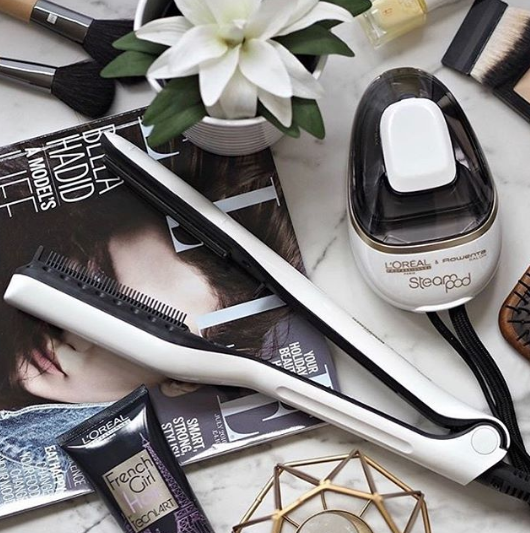 L'Oreal Professionnel Steampod Styling System Flatlay Straightener