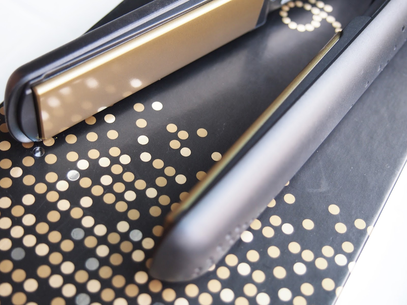 How to Clean a ghd Hair Straightener