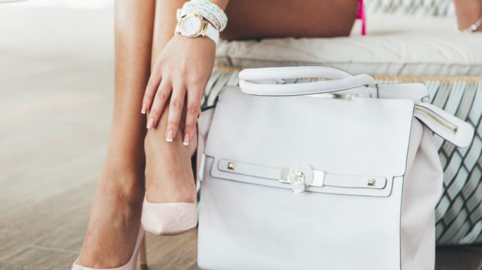 6 Minis You Have to Pack in Your Purse For the Races