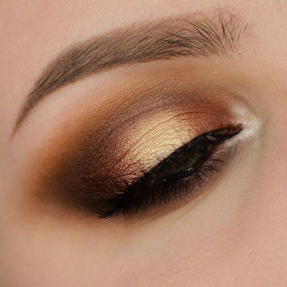 New Year's Eve makeup look metallic gold sheen