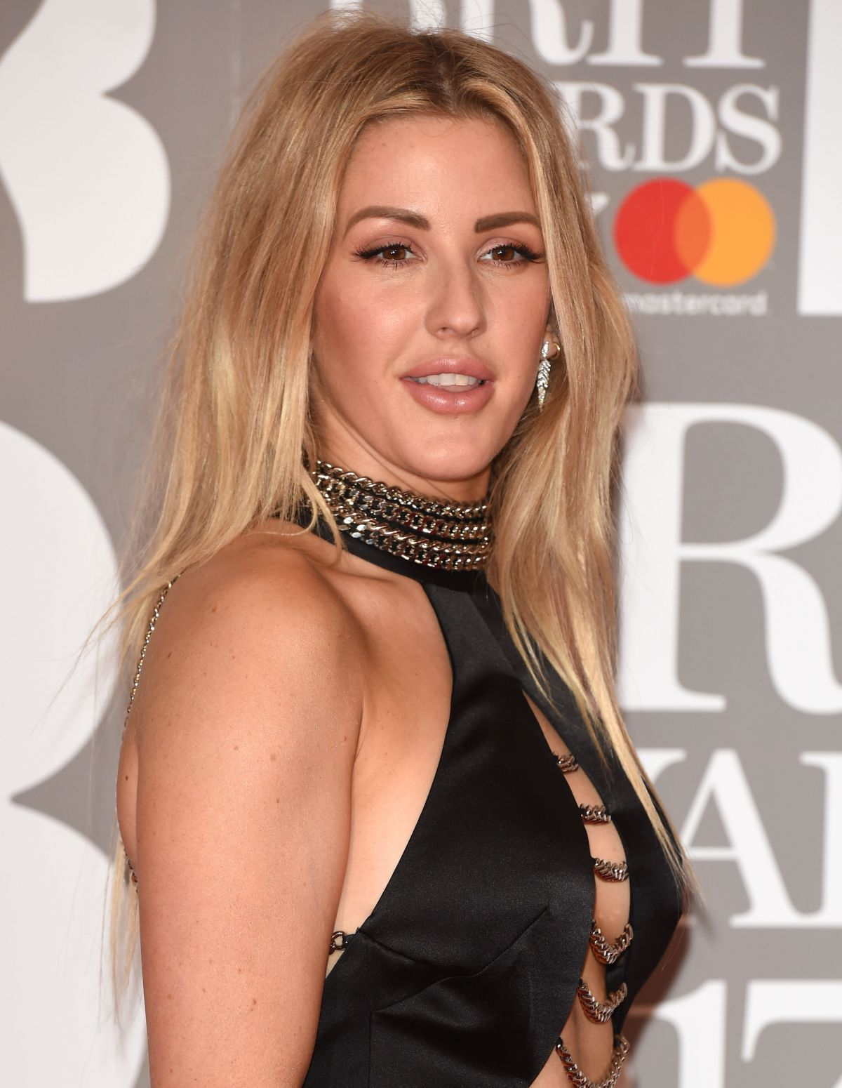Capricorn beauty Ellie Goulding hair and makeup inspiration