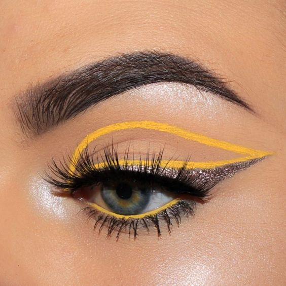 5 High Fashion Eye Makeup Looks We Dare