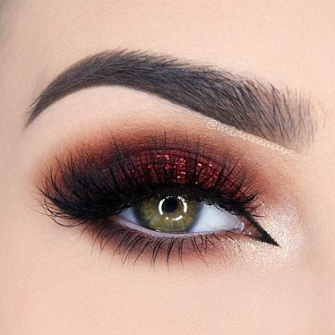 Crimson Eye Look Taurus Horoscope Beauty