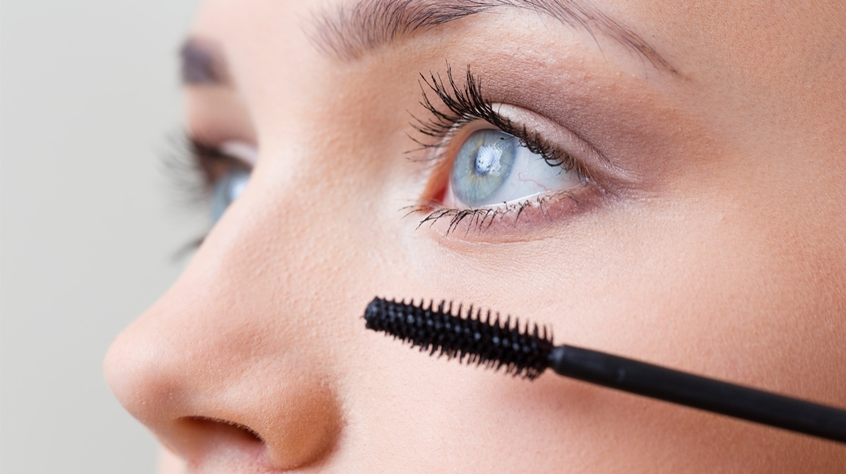 Everything You Need for Enviable Eyelashes Without Extensions