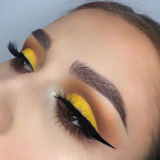 Yellow Eye Makeup Gemini Horoscope Beauty 2