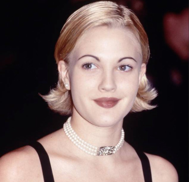 2000s Beauty Trends Drew Barrymore Skinny Brows
