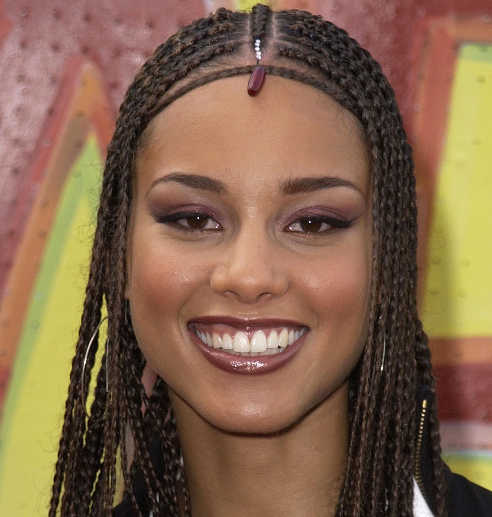 2000s Beauty Trends Alicia Keys Lip Liner