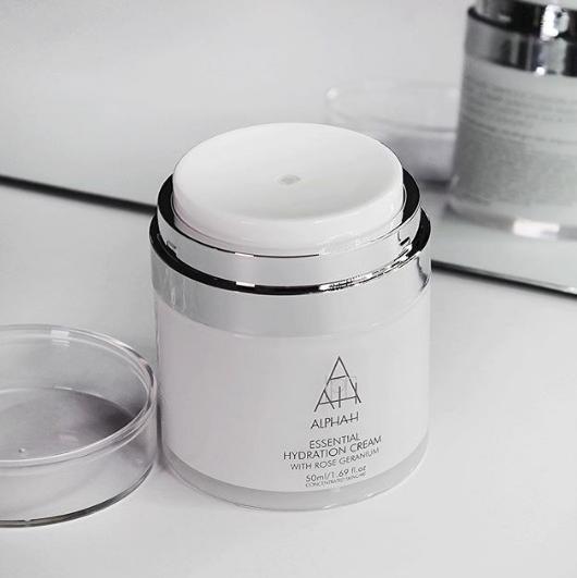 Alpha-H Essential Hydration Cream Night Cream vs Moisturiser