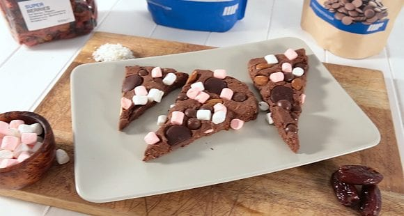 Eiwitrijk Dessert | No-Bake Proteïne Rocky Road Cake