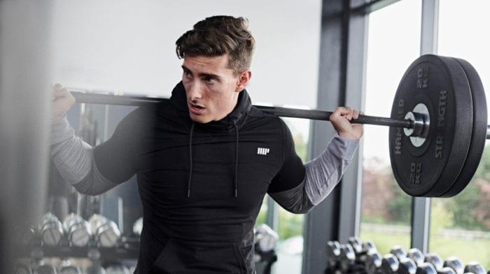 Hoeveel moet ik sporten naast een kantoorbaan?