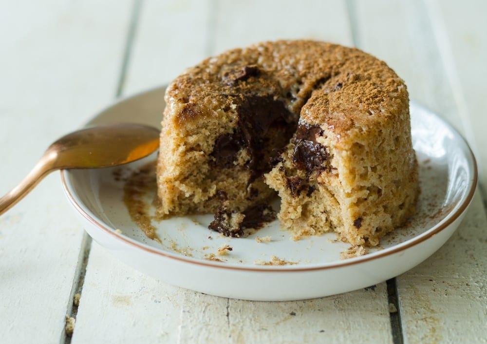 Speculoos Eiwit Cake met Chocolade Vulling | Eiwitrijk Sinterklaasrecept!