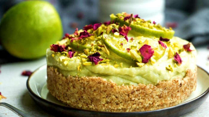 Avocado-Limoen Cheesecake | No-Bake Vegan Cheesecake Recept