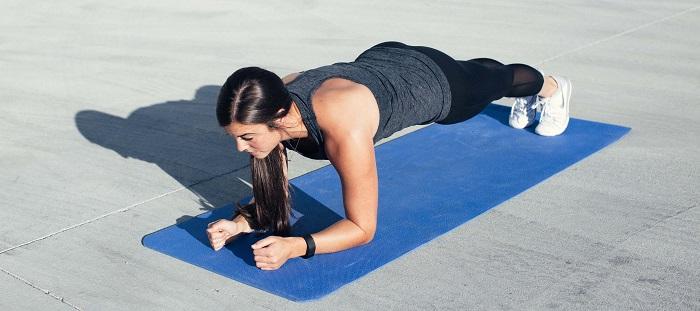 planche exercices abdos musculation femme