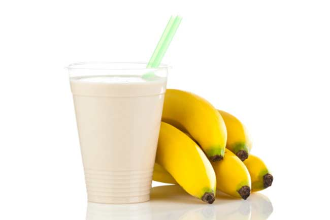 Banana lucuma smoothie