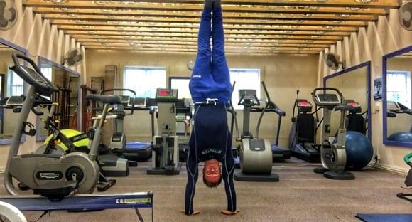handstand calisthenics