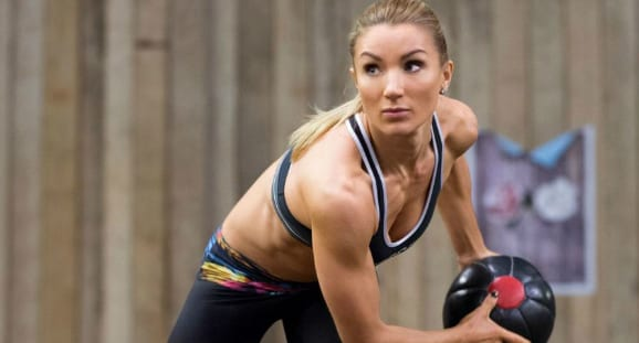 7 Exercises To Strengthen Core Muscles & Sculpt Toned Abs