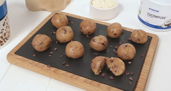 Cookie Dough Protein Balls_Hero Image casein