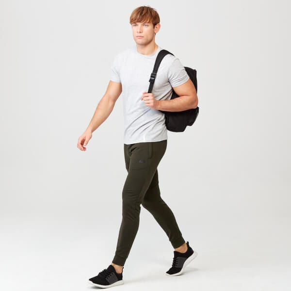 Back-To-Uni Clothing Essentials – Style Your Semester