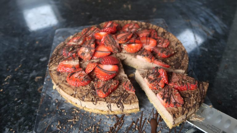 Healthy Cheesecake Recipe | Creamy Chocolate & Strawberry