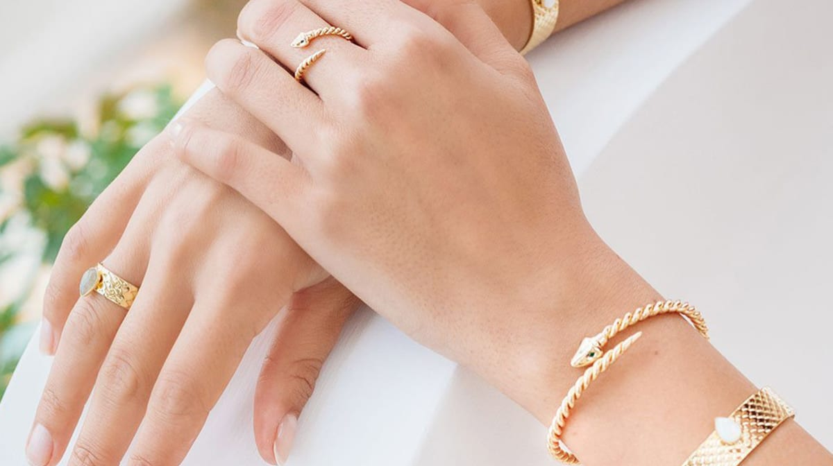 #TBT: Summer Jewelry 101 with Emma & Chloe